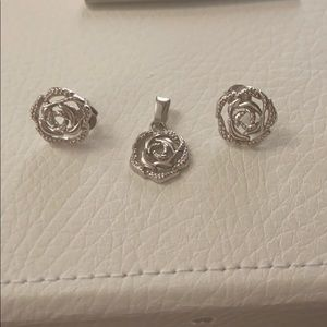 Earrings & necklace charm set